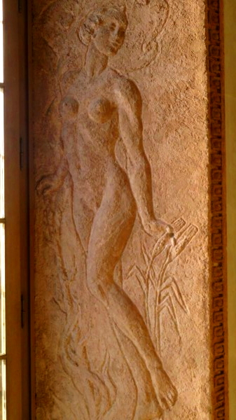 Stucco figure